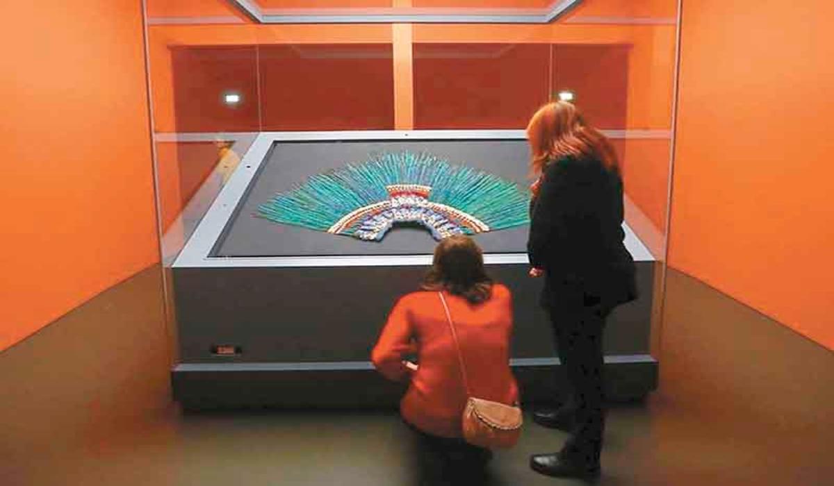 El penacho no perteneció a Moctezuma, argumenta el museo de Viena