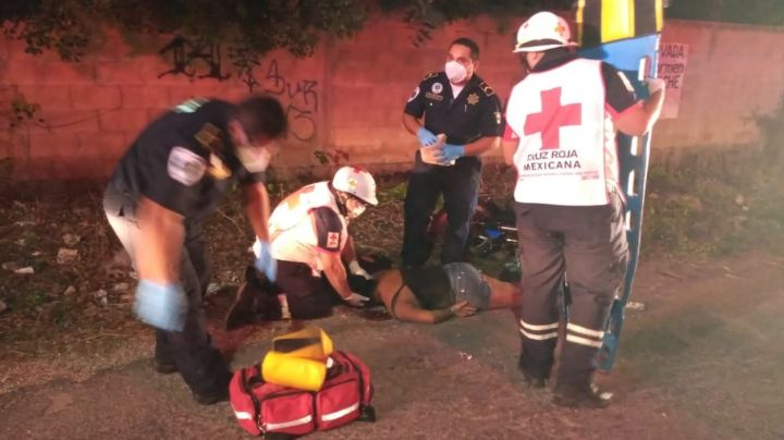 Mujer conduce moto borracha y se accidenta en Tizimín