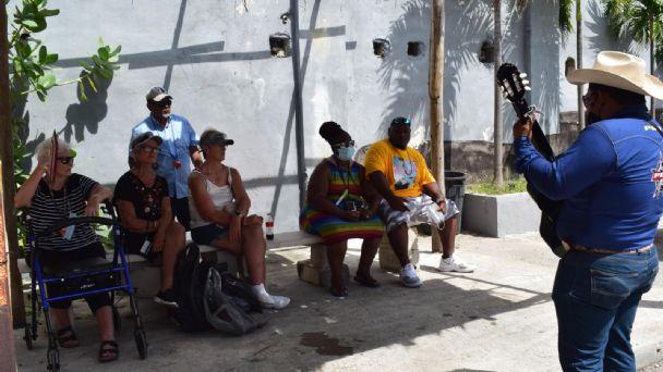 Pasajeros del Carnival Breeze se quejan de los altos precios en Progreso    PorEsto