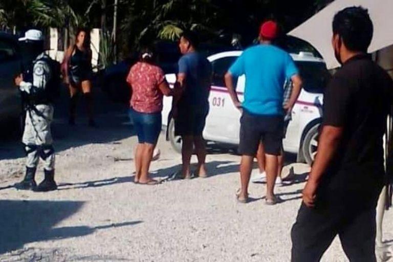 Ejecutan a hombre en el interior de un taxi en Tulum   PorEsto