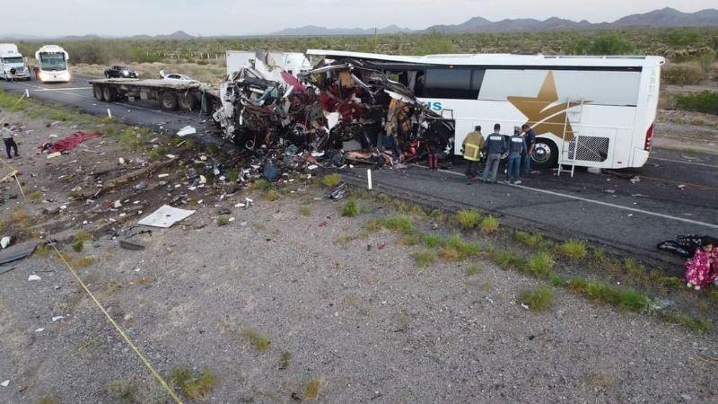 Así fue el choque de un autobús y dos tráileres en Sonora que dejó 16  muertos: FOTOS - PorEsto