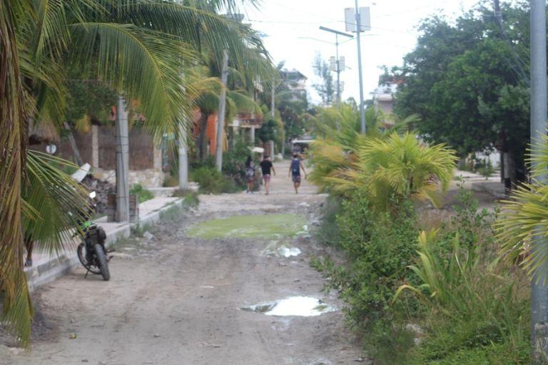 Vecinos denuncian en redes el mal estado de las calles de Holbox, Quintana  Roo   PorEsto
